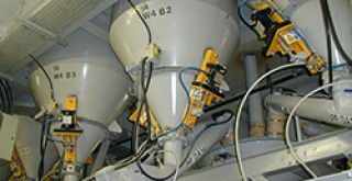 Mucon Promoflow Dischargers - Custom made discharge aid for emptying powders from hoppers and silos.